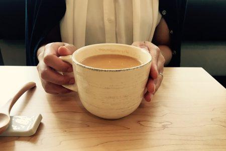 【女性おひとり様ランチ】ゆったりと紅茶と読書を楽しむオトナ女子のカフェ
