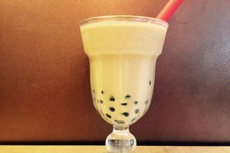 夏季限定☆タピオカ無料トッピング!冷たいタピオカロイヤルミルクティーがおすすめです。