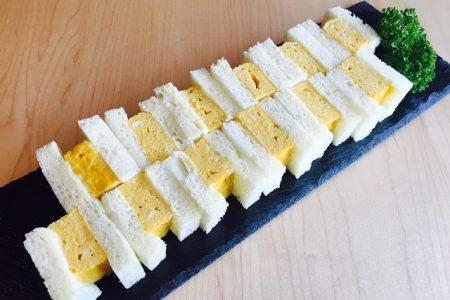 【だし巻き玉子サンド】焼きたて厚焼き玉子1本分をフワフワ食パンでサンド!