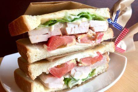 【2019.09.10~】週替わりランチ「スモークチキンとクリームチーズのサンド」