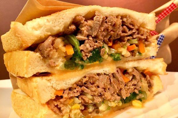 牛肉とナムルのサンドイッチ ココノヴァ 自由が丘カフェ
